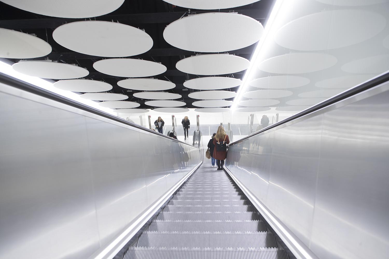 Tapiolan metroaseman liukuportaat